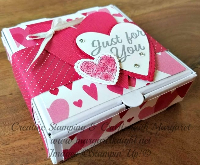 Heart Embellished Mini Pizza Box